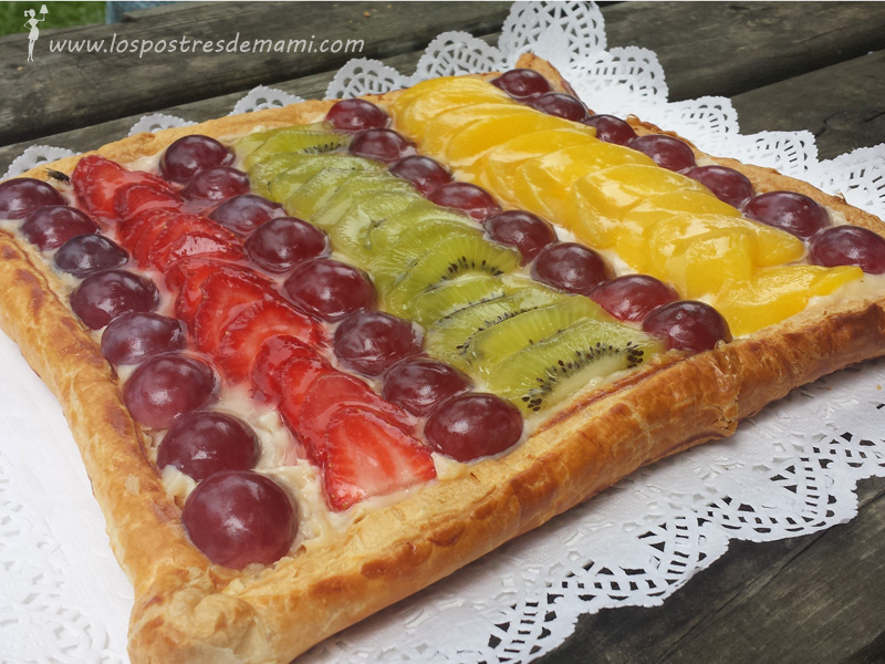 tarta hojaldre crema pastelera frutas