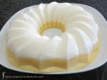 Tarta de melocotón con nata